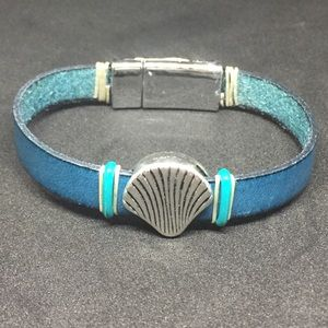 """Jewelry - 7.5"""" Teal Leather Strap Bracelet, Magnetic clasp"""